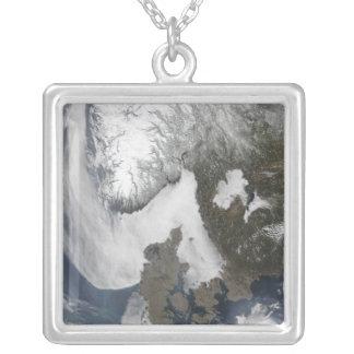 スカンジナビアの海の霧 シルバープレートネックレス