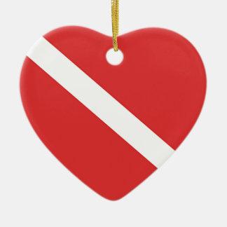 スキューバダイビングのロゴのダイバーの赤い白旗 セラミックオーナメント
