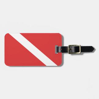 スキューバダイビングの旗-ダイバーの紋章の赤い白 ラゲッジタグ
