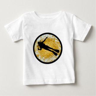 スキューバ自己は含んでいます ベビーTシャツ
