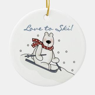 スキーをする白くま愛Tシャツおよびギフト セラミックオーナメント