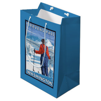 スキーヤーの賞賛-スティーヴンスのパス、ワシントン州 ミディアムペーパーバッグ