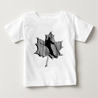 スキー山の反射 ベビーTシャツ