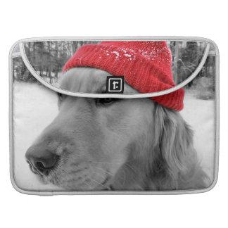 スキー犬のゴールデン・リトリーバーのMacBookのプロ袖 MacBook Proスリーブ