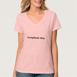 スクラップブックの花型女性歌手 Tシャツ