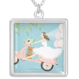 スクーターに乗っている花嫁 シルバープレートネックレス