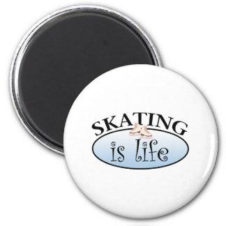 スケートで滑るは生命です マグネット