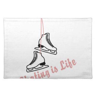 スケートで滑るは生命です ランチョンマット