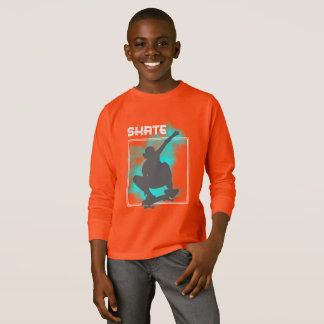 スケートの搭乗のシルエットのグラフィック Tシャツ