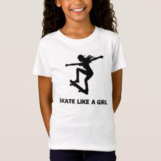 スケートは好みます女の子(スケートボードをすること)を Tシャツ