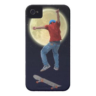 スケートボーダー及び満月3の行為のスポーツの芸術 Case-Mate iPhone 4 ケース