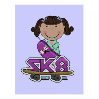 スケートボーダー-アフリカのアメリカの女の子のTシャツ はがき