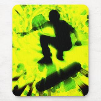 スケートボードの軽い爆発 マウスパッド