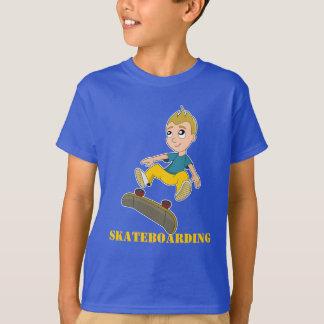 スケートボードをする男の子の漫画のTシャツ Tシャツ