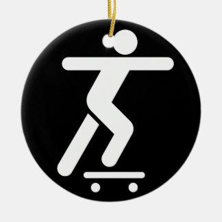 スケートボードをする記号のオーナメント セラミックオーナメント