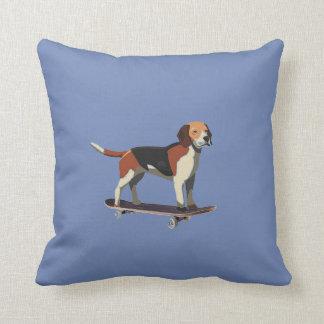 スケートボード、デニムの枕の犬 クッション