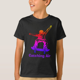 スケート選手の男の子の虹のスケートボーダーの伝染性の空気 Tシャツ