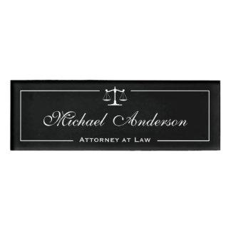 スケールの弁護士弁護士の白黒の正義 名札
