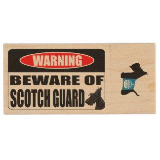 スコッチテリアのスコットランドの監視 ウッドUSBフラッシュドライブ