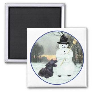 スコッチテリアの犬および雪だるま マグネット