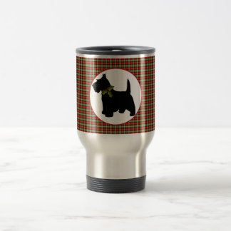 スコッチテリア犬のスコットランドの格子縞のクリスマス トラベルマグ