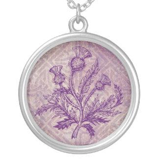 スコットランドのアザミの紫色のケルト結び目模様 シルバープレートネックレス