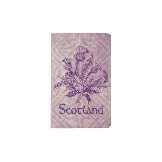 スコットランドのアザミの紫色のケルト結び目模様 ポケットMoleskineノートブック