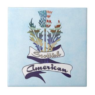 スコットランドのアメリカのアザミはタイルに印を付けます タイル
