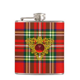 スコットランドのタータンチェックの赤いルビーとの金ゴールドのケルト族のハート フラスク