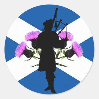 スコットランドのパイパー、セント・アンドリュースの十字、アザミ ラウンドシール