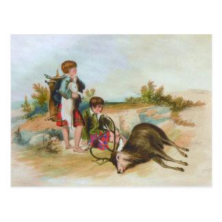 スコットランドの高地の子供のシカの狩り ポストカード
