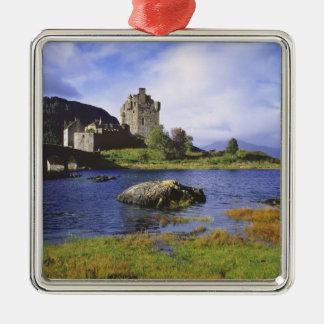 スコットランドの高地、Westerロス、Eilean Donan 2 メタルオーナメント