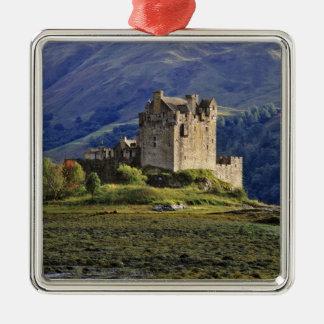 スコットランドの高地、Westerロス、Eilean Donan 3 メタルオーナメント