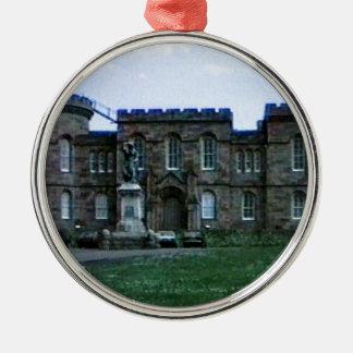 スコットランドインバーネスの城の芸術のスナップ37689aのjGibney メタルオーナメント