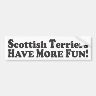 スコットランドテリアはより多くの楽しい時を過します! -バンパーステッカー バンパーステッカー