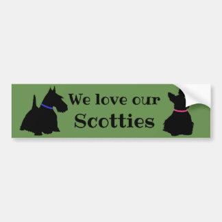 スコットランドテリア、私達は私達の、スコッチテリアまたは黒を愛します バンパーステッカー