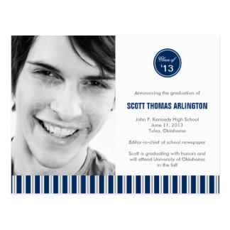 スタイリッシュでストライプな卒業の発表か招待状 ポストカード