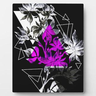スタイリッシュでモダンな三角形の花柄のイラストレーション フォトプラーク