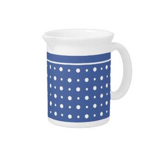 スタイリッシュで白い水差しか水差しの濃紺の水玉模様 ピッチャー