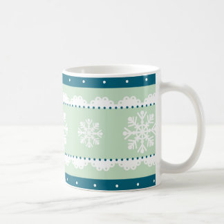 スタイリッシュで真新しいティール(緑がかった色)の青いホワイトクリスマスパターン コーヒーマグカップ