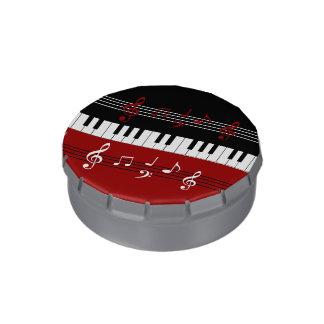 スタイリッシュで赤い白黒のピアノ鍵およびノート 缶入りキャンディー