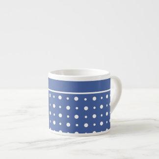 スタイリッシュなエスプレッソのコーヒー・マグ、濃紺の水玉模様 エスプレッソカップ