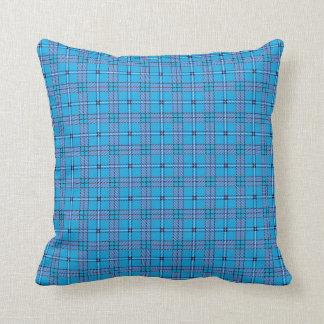 スタイリッシュなタータンチェックパターン枕 クッション