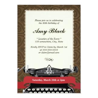 スタイリッシュなダマスク織のタイプライターの誕生日の招待状 カード