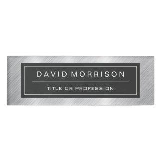スタイリッシュなブラシをかけられた金属銀製の専門の一見 名札