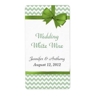 スタイリッシュな緑及び白いシェブロンの結婚式のワインのラベル ラベル