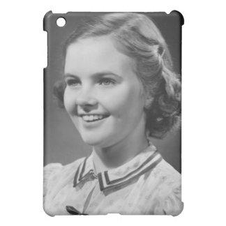 スタジオで提起している女の子 iPad MINIケース