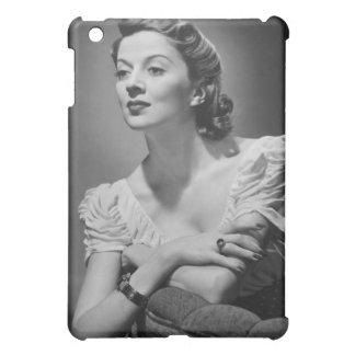 スタジオで提起している女性 iPad MINI CASE