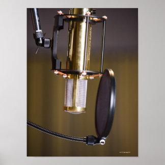 スタジオのマイクロフォン ポスター