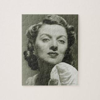 スタジオ2で提起している女性 ジグソーパズル
